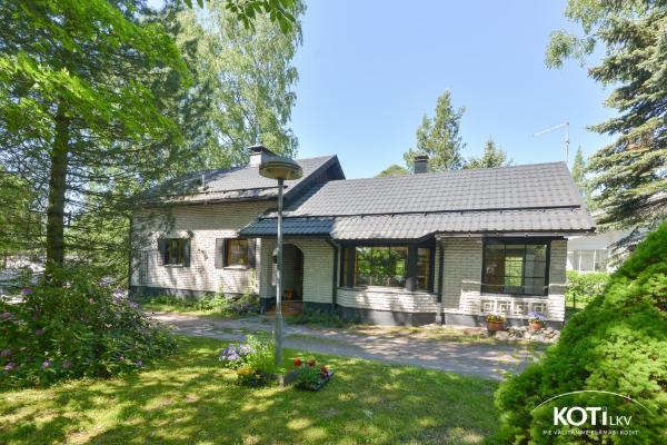 Koivuviidantie 27 02130 Espoo