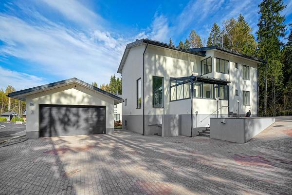 Runotie 25 01390 Vantaa