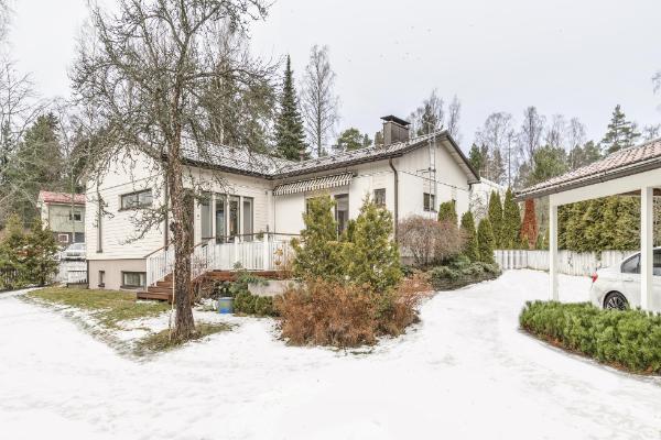 Tillinpiha 3 02330 Espoo