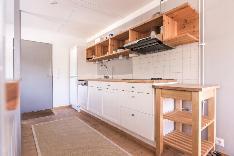 Satularakennuksen keittiö