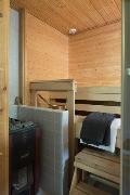 Saunassa on saunafanin unelma, aito puukiuas.