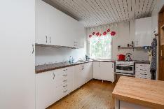 Vanhan vapa-ajan asunnon keittiö