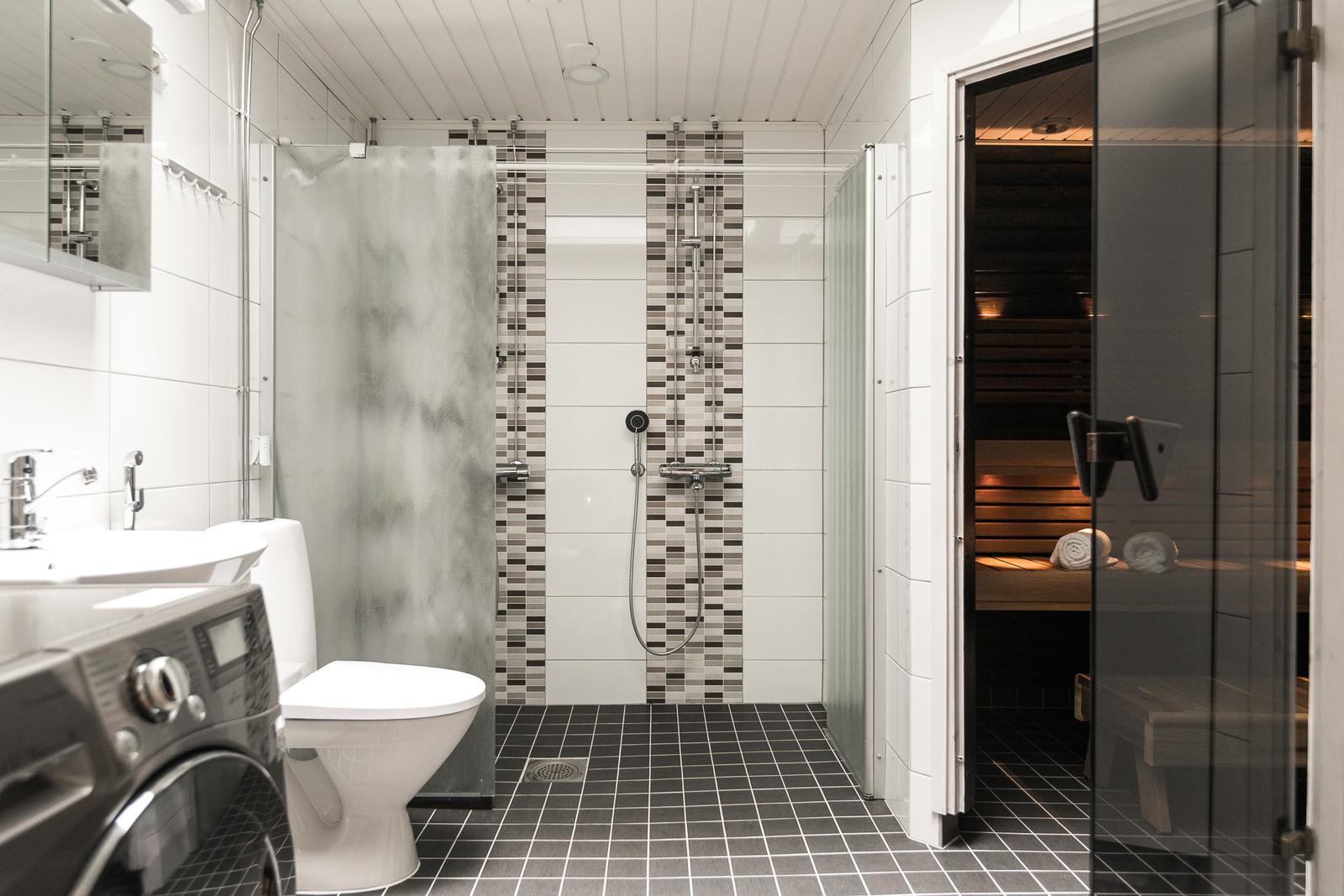 Pesuhuone ja sauna uusittiin täysin. title=