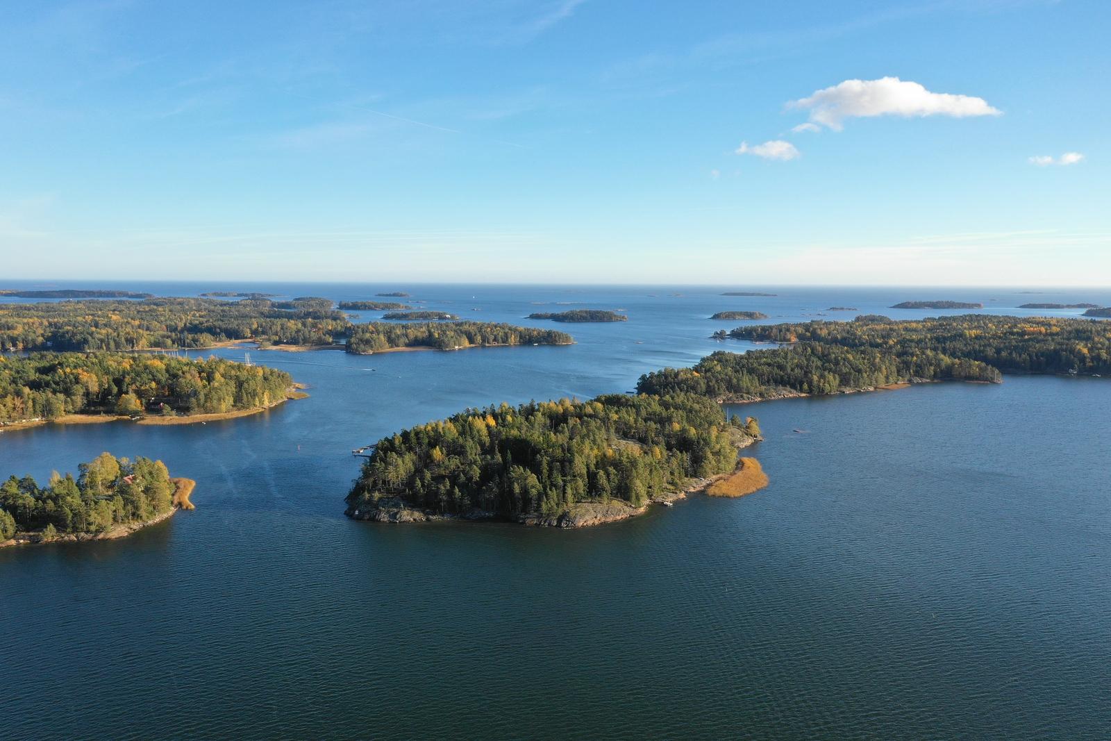 Svarthomen saari Espoon mantereen vieressä title=