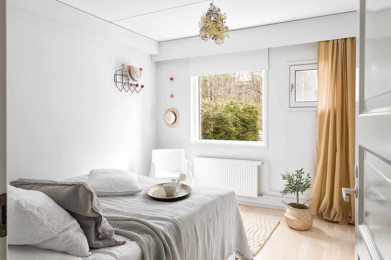 Master bedroom. title=