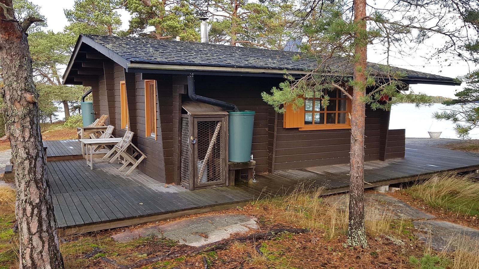 Bergholmen mökki/sauna title=