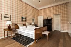 Makuuhuoneet ovat tilavia ja niissä on hyvin kaappitilaa.