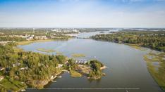 Niemenkärjessä on uimaranta ja arvokas suojelualue.
