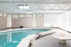 Katettu uima-allasosasto ympärivuotiseen käyttöön