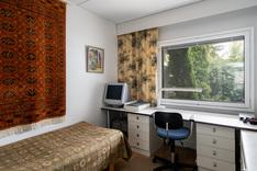 Molemmissa makuuhuoneissa on tilaa myös työpisteelle