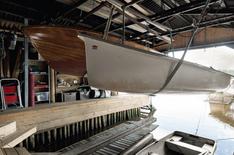 Venevajassa on kaksi vinssiä veneiden nostoon.