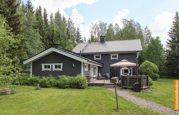 Parkuntie 128, Hyvinkää (Noppo)