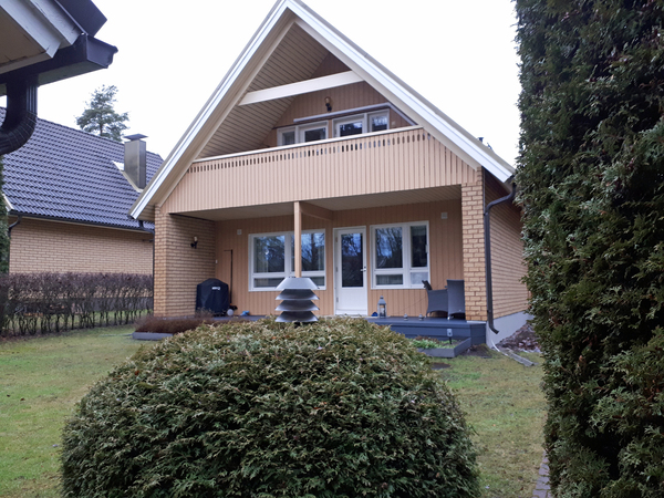 Nimismiehenmäki 9, Espoo (Muurala)