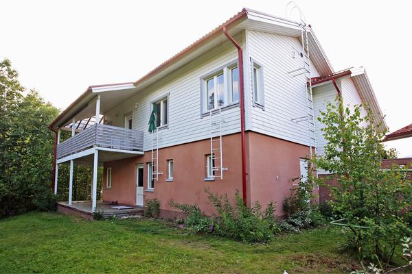 Eteläranta 32, Kuopio (Savolanniemi)
