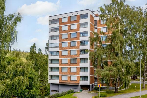 Hiihtäjäntie 6, Kuopio (Puijonlaakso)
