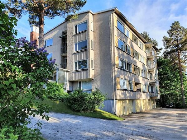 Mustankalliontie 54, Lahti (Mustankallionmäki)