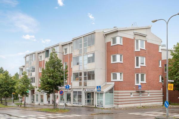 Huovilankatu 2, Lahti (Asemantausta)