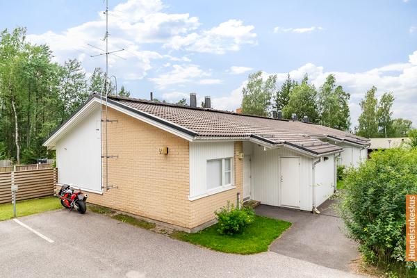 Kustaantie 23b, Vantaa (Rekola)
