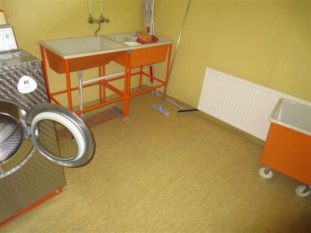 Rivitalo pyykkitupa