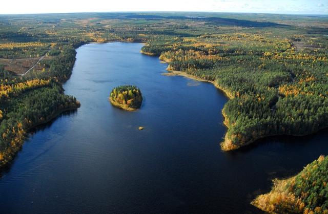 Vihajärvi, kortteli 5 vasemmalla