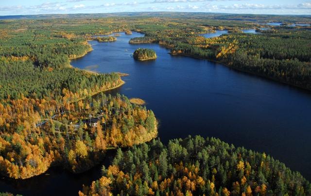 Vihajärvi, etualalla Vihajoen suu