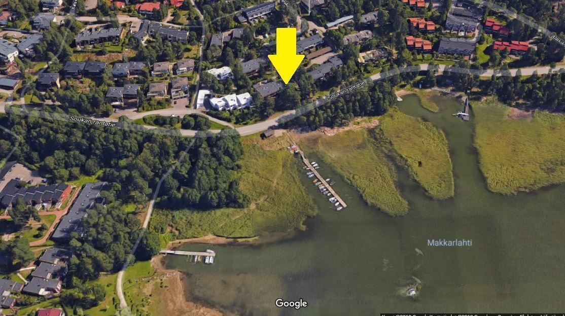Ilmakuva asunnon sijainnista Soukan rantatien varrella title=